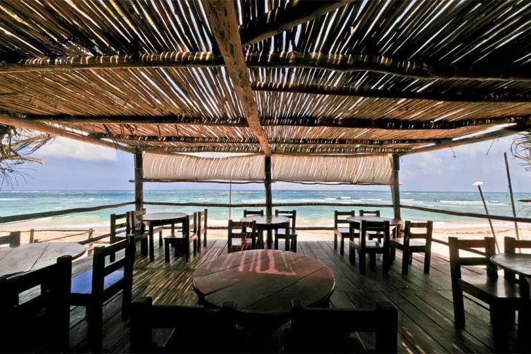 Бутик-отель Papaya Playa Project находится на берегу моря в городе Тулум ку