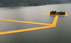 lago d'iseo: the floating piers