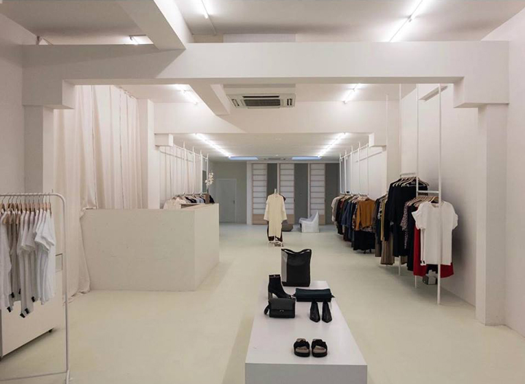 amsterdam: moise store relocation