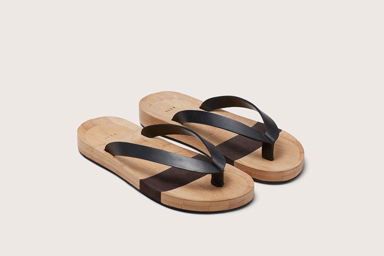 984349c2c7800 superfuture    supernews    online  feit bamboo flip flops